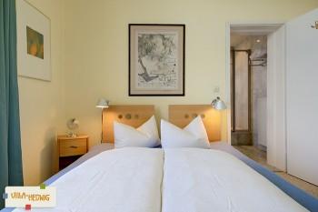 Großzügiges Doppelbett