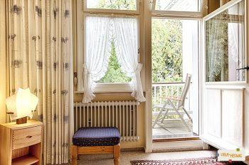 Schlafzimmer + Südbalkon