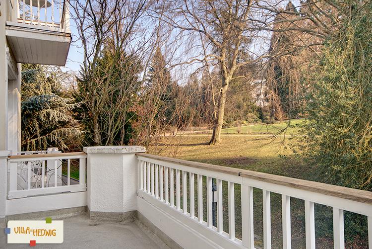 App. Hesse Balkon / Blick in Kurpark