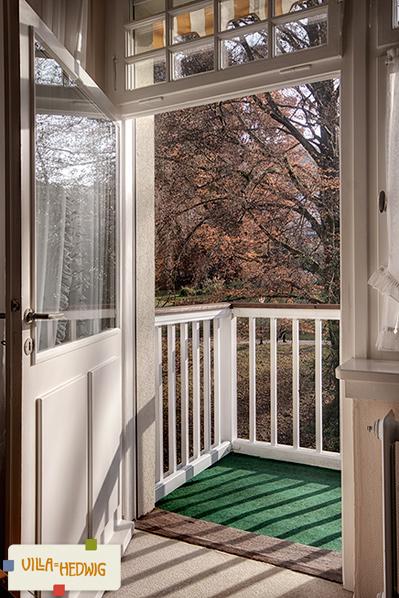 Balkon mit Blick auf Kurpark