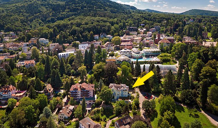 Villa Hedwig : Luftaufnahme Kurort Badenweiler