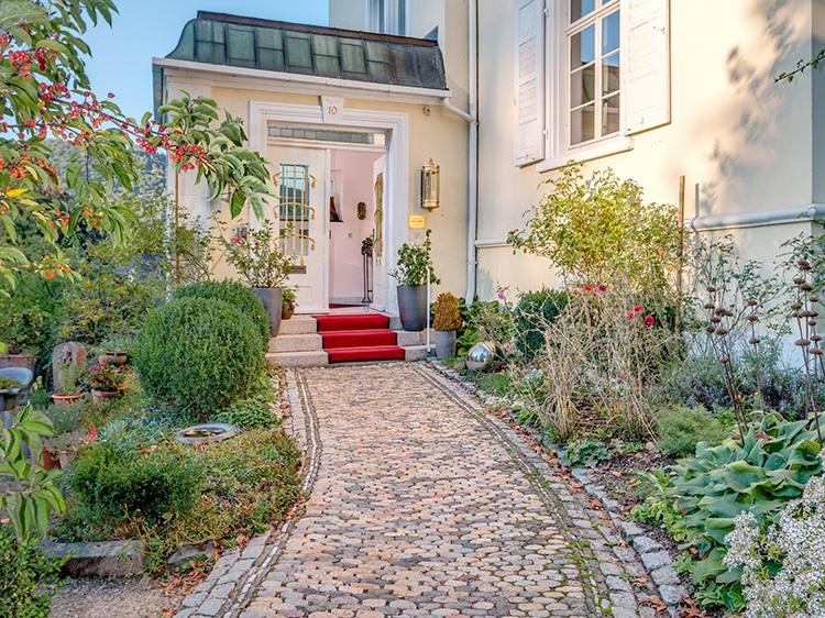Eingang zur Villa Hedwig