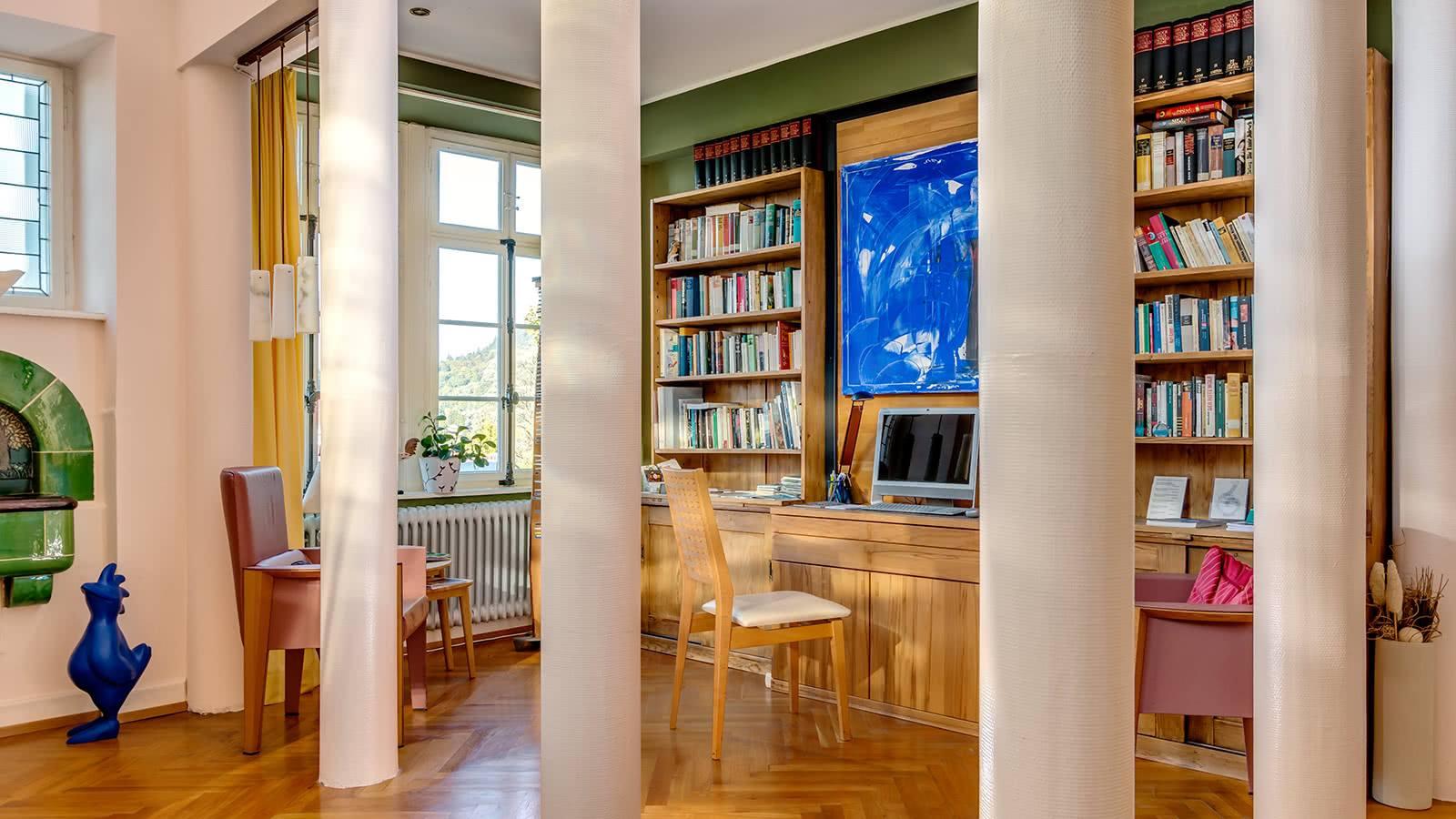 Lobby und Bibliothek der Villa Hedwig